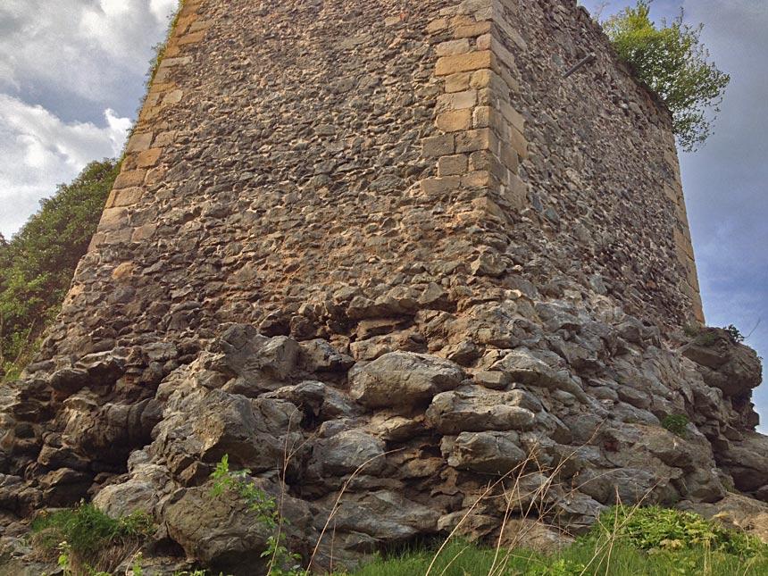 Подушечная лава, Замок Ленно