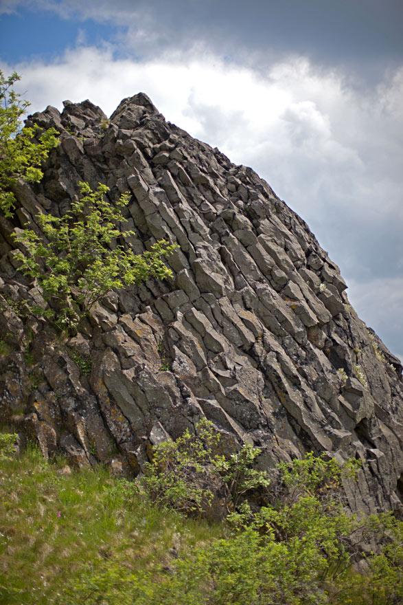 Słupy bazaltowe na Czartowskiej Skale