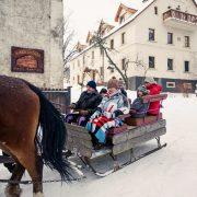 Kulig z a para koni w Villa Greta.