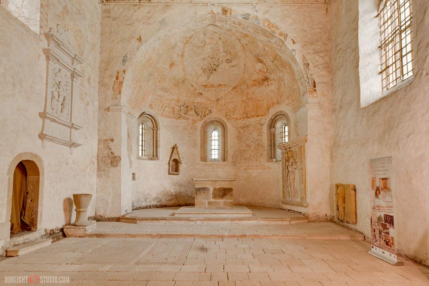 Wnętrze zabytkowego kościoła św. Jana i św. Katarzyny