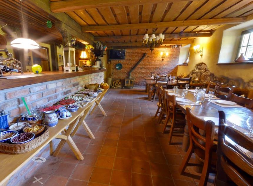 Jadalnia w Gościńcu Pod Zielonym Jajem