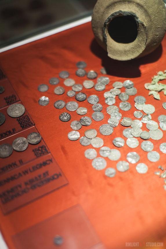 Средневековый монетный двор