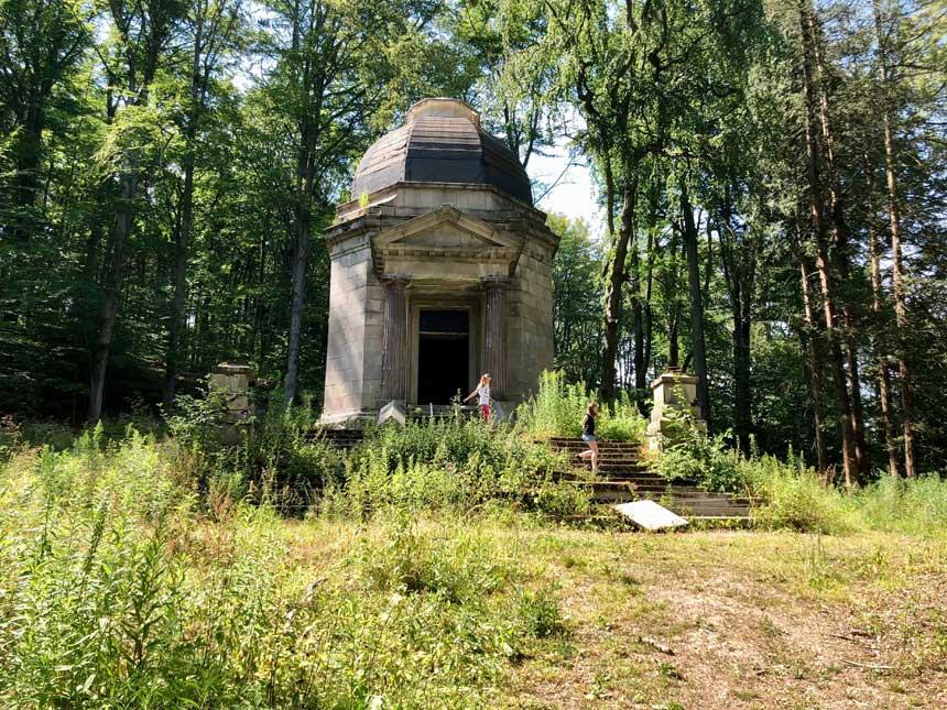 Mauzoleum Beckera w Maciejowej