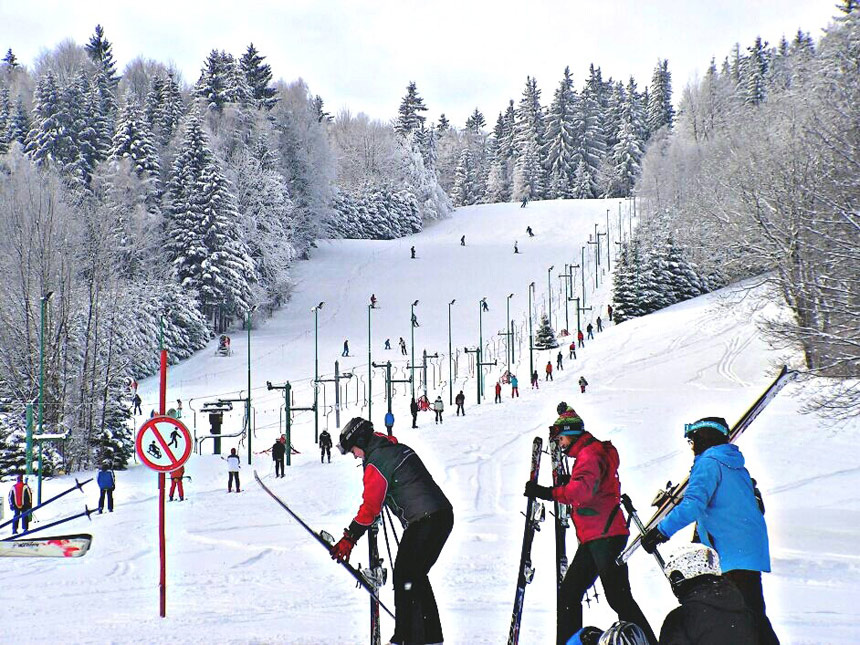 Skiing with family Poland